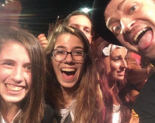JT Selfie V Festival.png